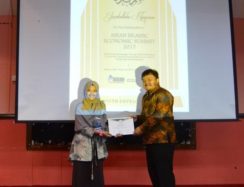 Sofiatul Amrih Raih Juara 1 Call for Essay ASEAN Islamic Economic Summit di Malaysia.